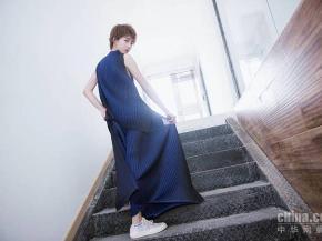 转角遇到少女李凯馨 99后时尚icon俏皮又帅气