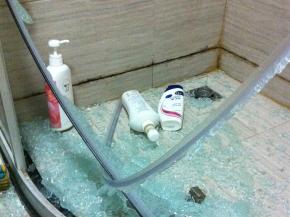 投诉箭牌淋浴房自爆-连电视台都和谐了
